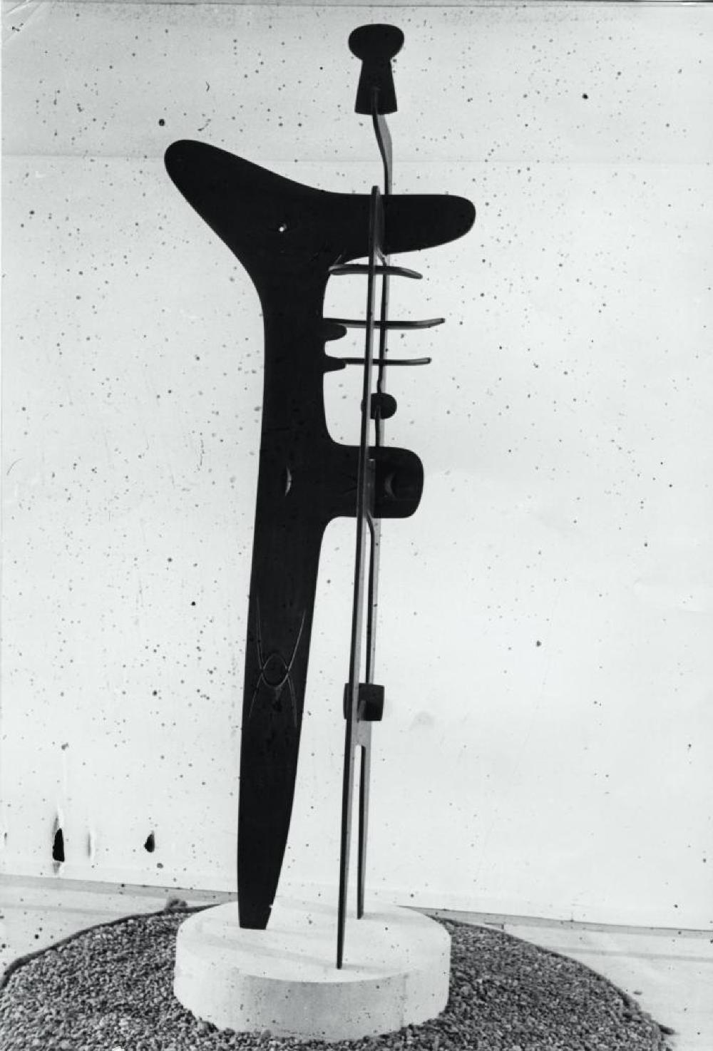"""Exhibition photograph: """"Isamu Noguchi,"""" Mitsukoshi Department Store (August 18 - 27, 1950) - Photograph: Isamu Noguchi"""