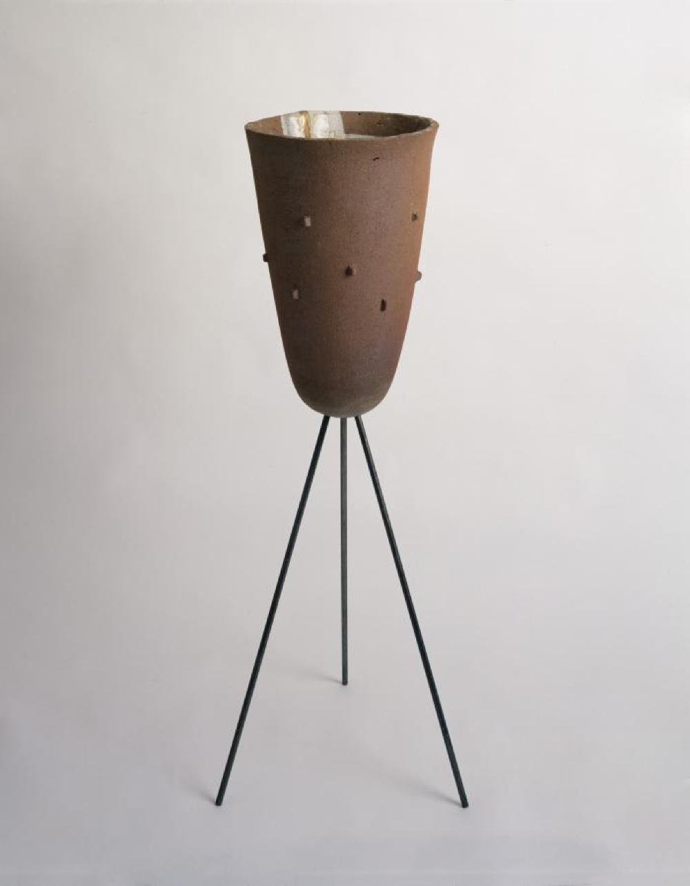 Tripod Vase, image 1