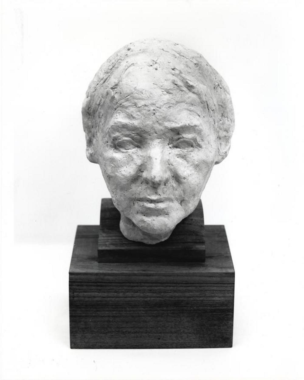 Leonie Gilmour, image 2