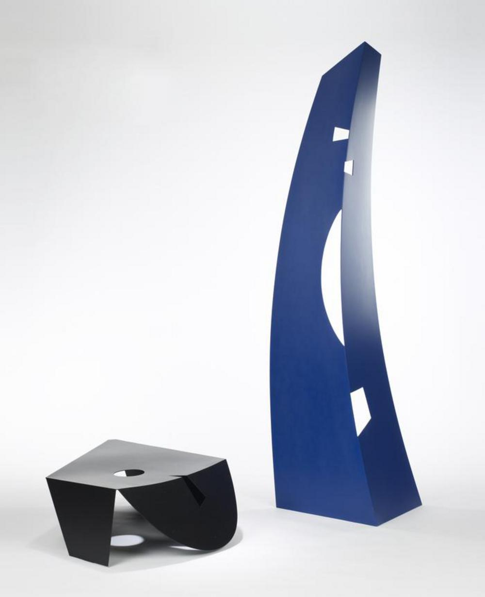 Black and Blue, image 3