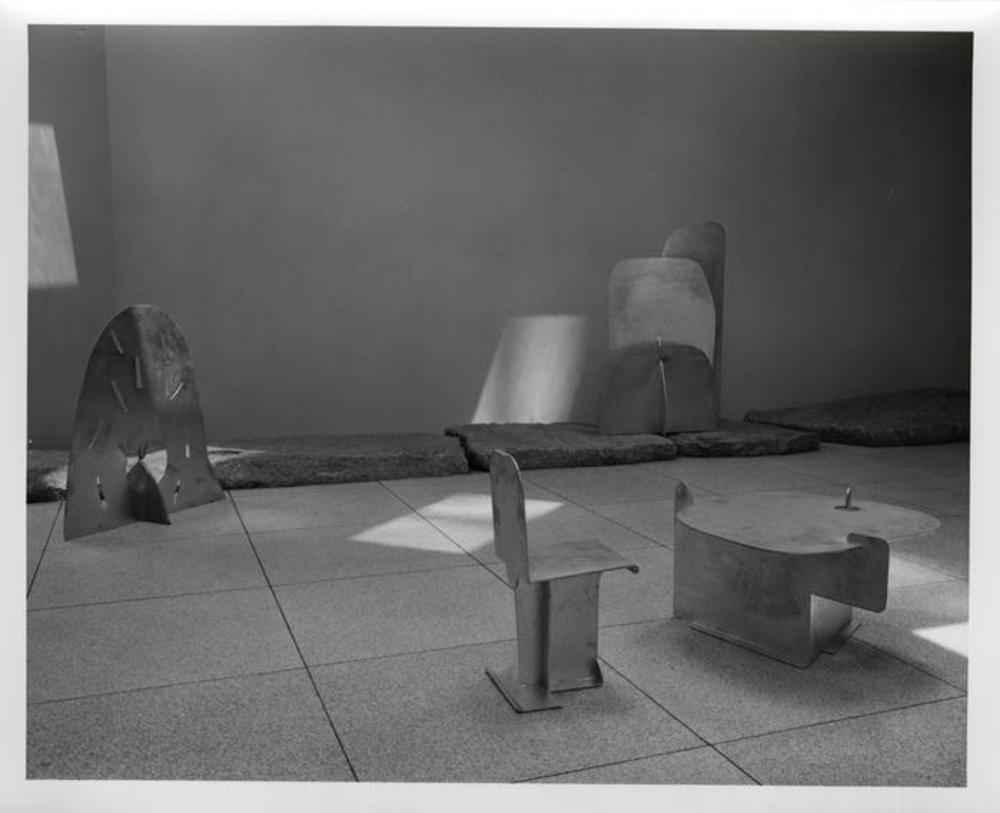 Pierced Seat, image 4