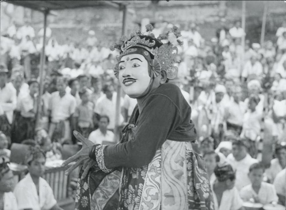 Bollingen travels: Topeng performer in Bali, Indonesia