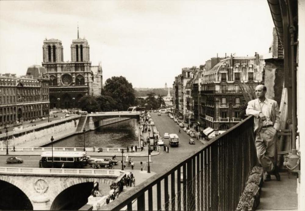 Isamu Noguchi on Alice DeLamar's terrace, Rue Git Le Coeur, Paris