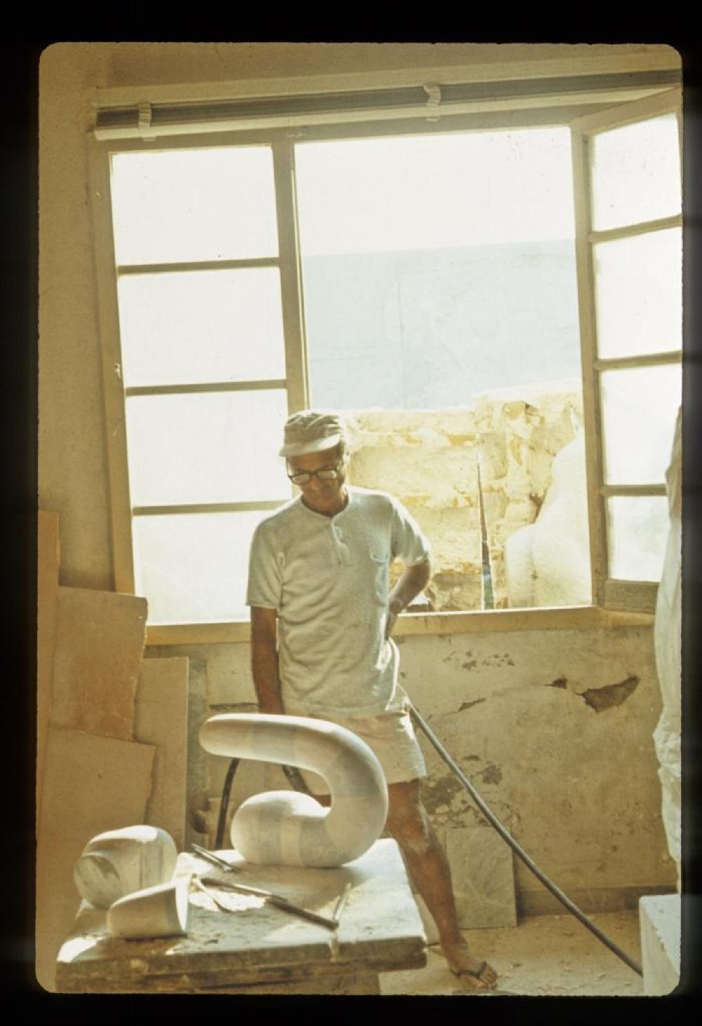 Noguchi working at Henraux in Querceta, Italy