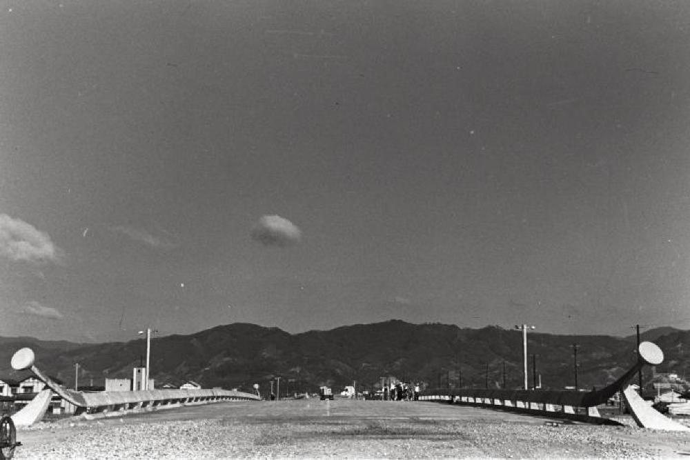 Hiroshima Bridge Railings; Hiroshima, Japan Tsukuru (to build); east bridge