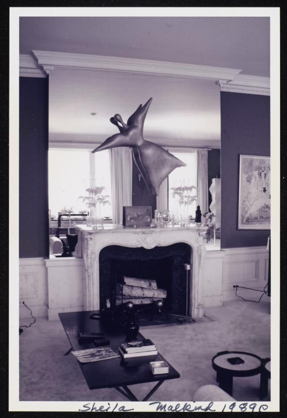 Miss Expanding Universe (1932) in apartment