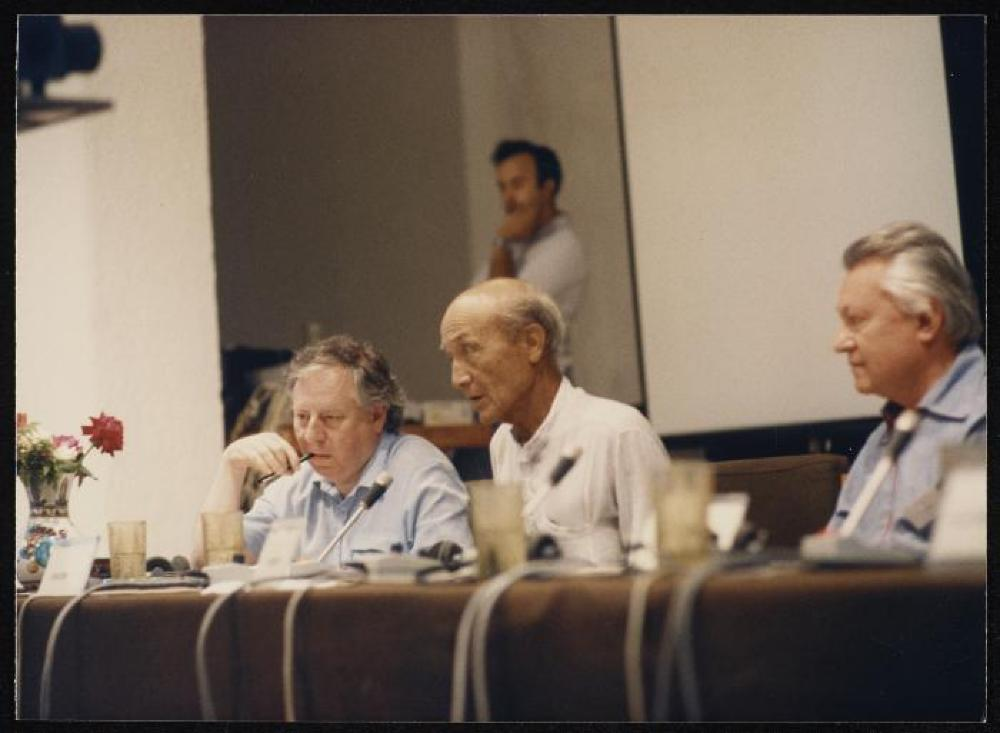 Isamu Noguchi with Thomas Messer on his left, Edward Lucie-Smith on his right, Conference Center of the European Cultural Center of Delphi, Greece
